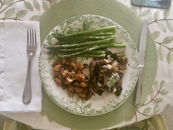 Hamburger steak with asparagus and potatoes