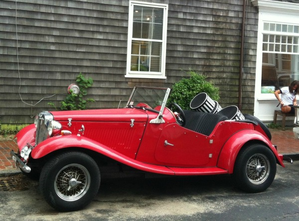 Nantucket hat man's car